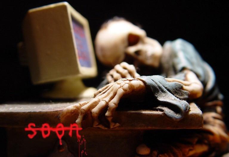 skeleton-at-desk75-2.jpg